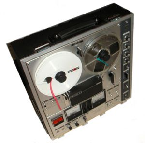 Reel-to-reel_recorder_tc-630.jpg